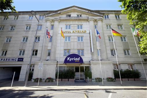 Kyriad Montpellier Centre - Antigone - Montpellier - Building