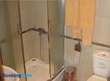 The Castle Hotel - Samokov - Bathroom