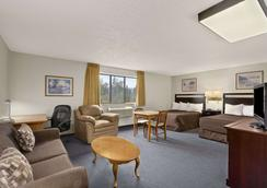 Super 8 by Wyndham Williams Lake BC - Williams Lake - Bedroom