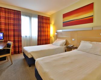 Best Western Palace Inn Hotel - Ferrara - Bedroom