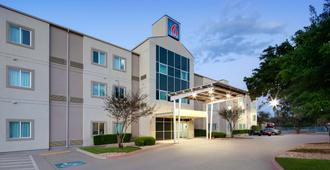 Motel 6 San Antonio Tx - San Antonio - Building