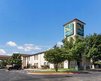 Quality Inn - Cedar Park - Edificio