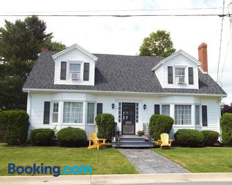 Abide Within Bed & Breakfast - Truro - Building