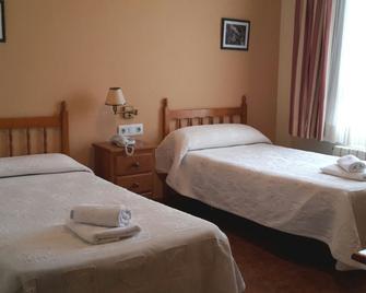 Hostal Millan - Segorbe - Bedroom