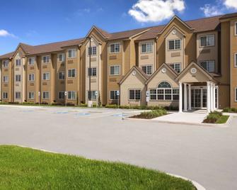 Microtel Inn & Suites by Wyndham Kenedy - Kenedy - Gebäude