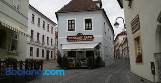 Pension Alfa & Whisky Pub - Tábor - Building