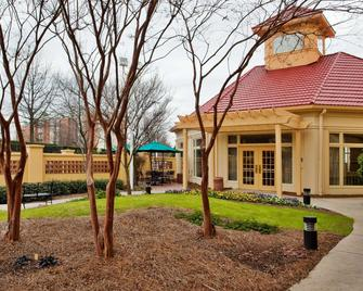 La Quinta Inn & Suites by Wyndham Greenville Haywood - Greenville - Edificio