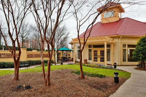 La Quinta Inn & Suites by Wyndham Greenville Haywood - Greenville - Toà nhà