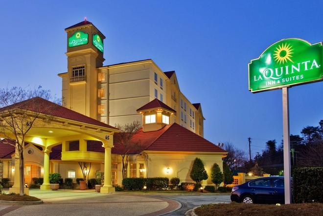 La Quinta Inn & Suites by Wyndham Greenville Haywood - Greenville - Building