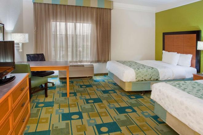 La Quinta Inn & Suites by Wyndham Greenville Haywood - Greenville - Bedroom