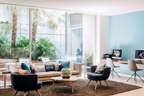 Rydges St Kilda - Melbourne - Phòng khách