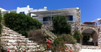 Paros Agnanti Hotel - Parikia - Outdoor view