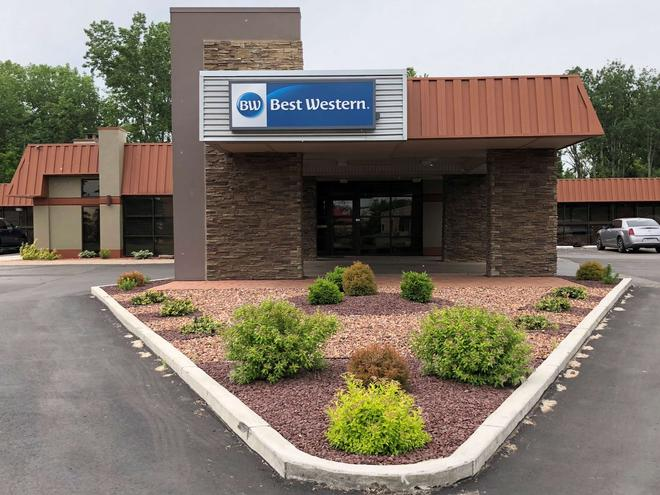 Best Western Gateway Adirondack Inn - Utica - Building