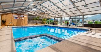 Best Western Paradise Inn & Resort - Fillmore - Piscina