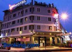 Country Hotel - Klang - Edifício