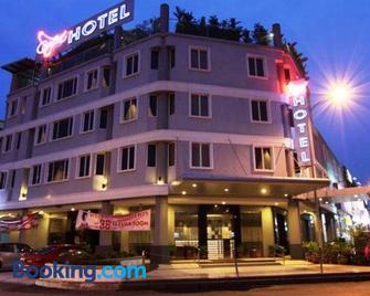 Country Hotel - Klang - Rakennus