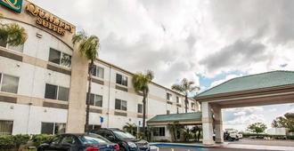 Quality Suites San Diego Otay Mesa - San Diego - Gebäude