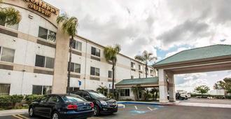 Quality Suites San Diego Otay Mesa - סן דייגו