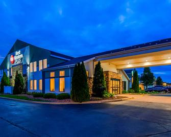Best Western PLUS Liverpool-Syracuse Inn & Suites - Liverpool - Building
