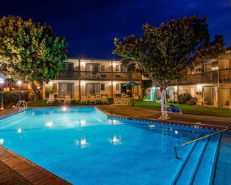Best Western Plus Santa Barbara - Santa Barbara - Pool