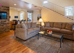 Best Western Plus Santa Barbara - Santa Barbara - Living room