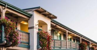 Best Western Plus Encina Inn & Suites - Santa Barbara - Building