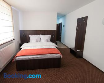 First Hotel - Tczew - Bedroom