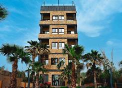 Sea View Hotel by Hansa - Batroun - Gebäude