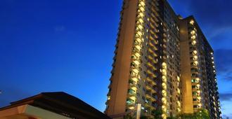 Solo Paragon Hotel & Residences - סורקטה - בניין
