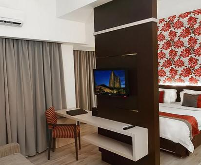 Solo Paragon Hotel & Residences - Surakarta City - Tiện nghi trong phòng