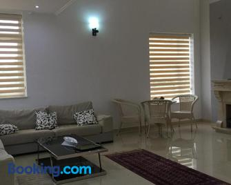 Villa Salo - Elbasan - Living room