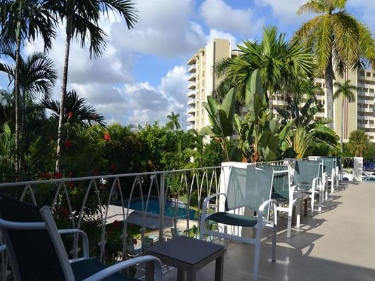 Grand Palm Plaza, a Fort Lauderdale Gay Men's Resort - Fort Lauderdale - Balcony