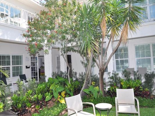 Grand Palm Plaza, a Fort Lauderdale Gay Men's Resort - Fort Lauderdale - Patio