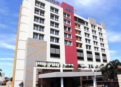 Grand Pasundan Convention Hotel - Bandung - Building