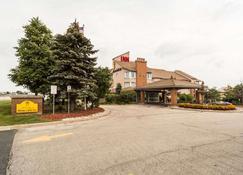 Monte Carlo Inn Oakville Suites - Oakville - Building