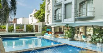 Country International Hotel - Barranquilla - Svømmebasseng