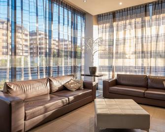 Quality Hotel Green Palace - Monterotondo - Salónek