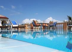Oniro Villas - Corfu - Pool