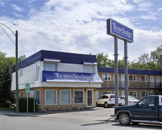 Travelodge by Wyndham Moose Jaw - Moose Jaw - Building