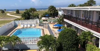 Beachside Resort Motel - Treasure Island - Pool