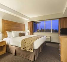 Travelodge by Wyndham Victoria Airport Sidney
