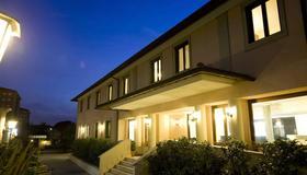 Hotel Alba Roma - Rome - Building