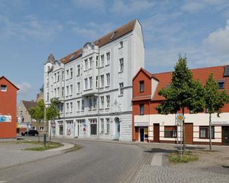 Zur Elbaue - Gartenstraße - Wittenberge - Edificio