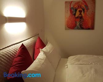 B&B Perbacco Relax - Меццоломбардо - Bedroom