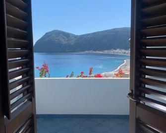 Oltremare Residence Hotel - Lipari - Balcony