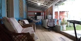 Hostel Camping Bc - Balneario Camboriu - Wohnzimmer