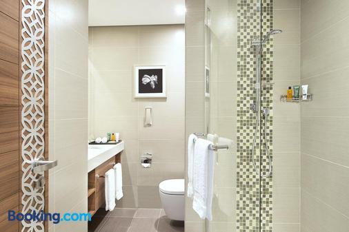 杜拜阿爾馬拉卡巴特希爾頓花園酒店 - 杜拜 - 杜拜 - 浴室