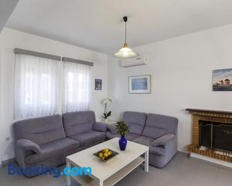 Aphrodite Villa Gennadi - Gennadi - Living room