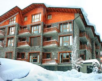 Apartamentos Solineu - La Molina - Gebäude
