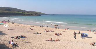 The Olive Branch - St. Ives - Beach